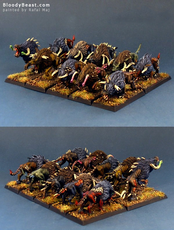 Chaos Warhounds painted by Rafal Maj (BloodyBeast.com)