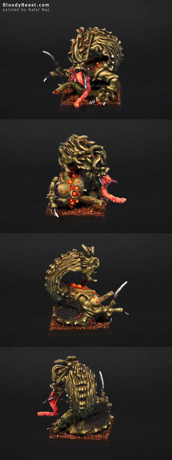 Chaos Daemons Nurgle Beast painted by Rafal Maj (BloodyBeast.com)
