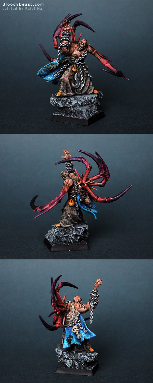 Chaos Sorcerer of Tzeentch painted by Rafal Maj (BloodyBeast.com)