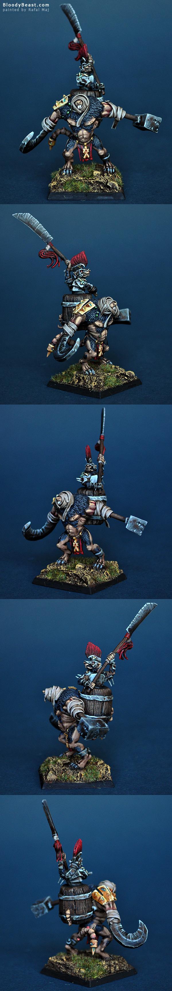 Skaven Lord on Rat Ogre Bonebreaker painted by Rafal Maj (BloodyBeast.com)