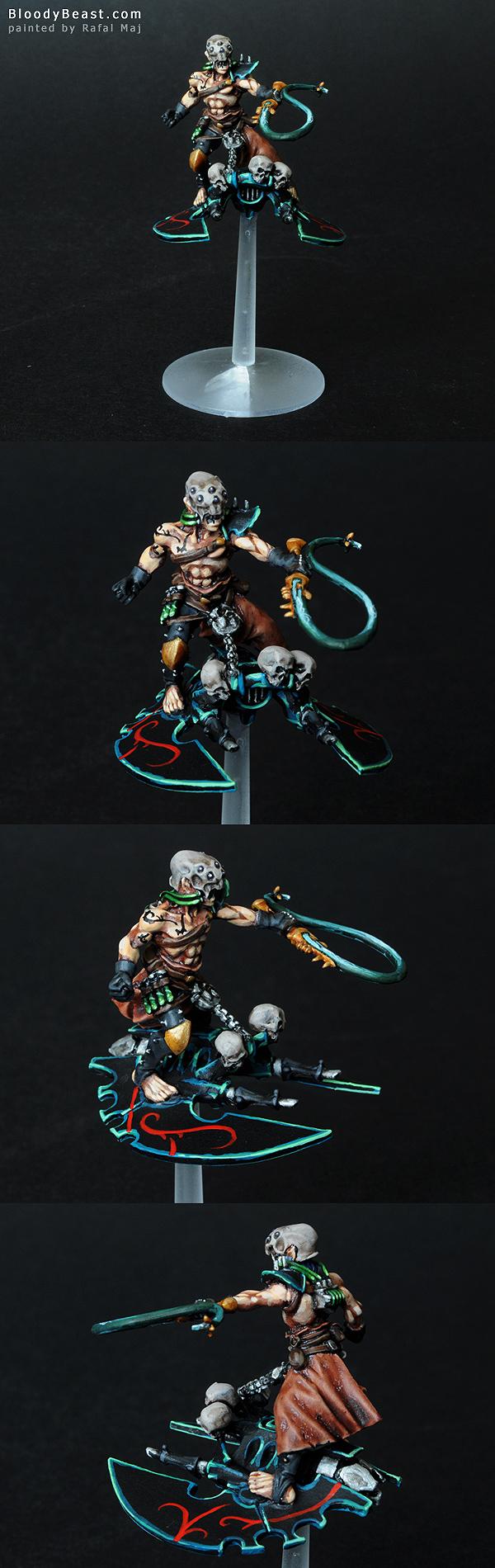 Dark Eldar Beastmaster painted by Rafal Maj (BloodyBeast.com)