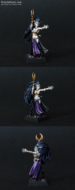 Dark Elf Supreme Sorceress painted by Rafal Maj (BloodyBeast.com)