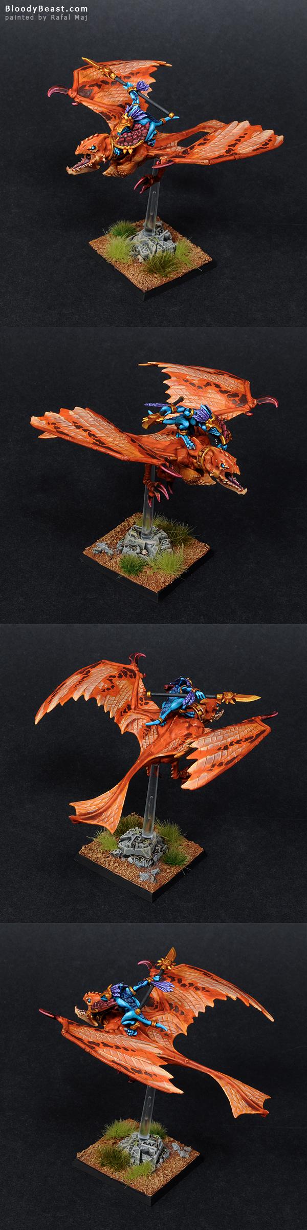 Lizardmen Ripperdactyl painted by Rafal Maj (BloodyBeast.com)