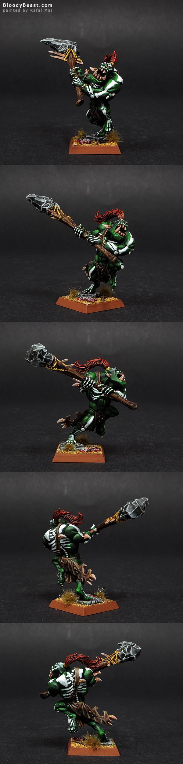 Savage Orc Warboss painted by Rafal Maj (BloodyBeast.com)