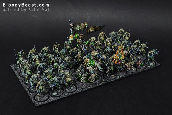 Plaguebearer Horde with Epidemius painted by Rafal Maj (BloodyBeasts.com)