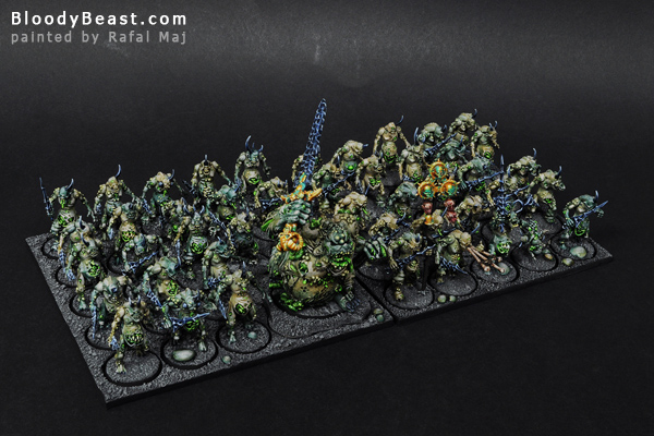 Plaguebearer Horde with Great Unclean One painted by Rafal Maj (BloodyBeast.com)