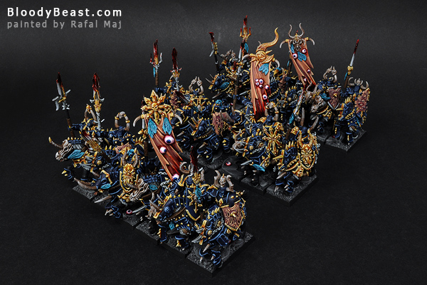 Chaos Knights of Tzeentch painted by Rafal Maj (BloodyBeast.com)