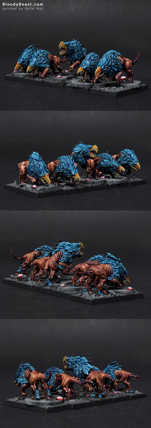 Chaos Warhounds of Tzeentch painted by Rafal Maj (BloodyBeast.com}