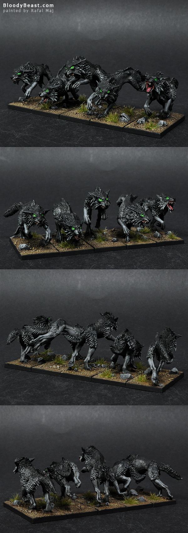 Black Wolves painted by Rafal Maj (BloodyBeast.com)