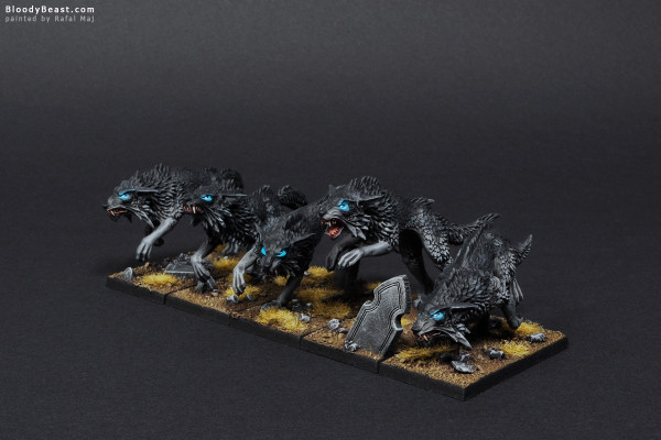 Black Wolves Rank Two painted by Rafal Maj (BloodyBeast.com)
