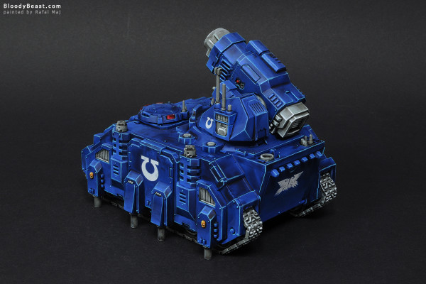 Space Marines Ultramarines Hunter painted by Rafal Maj (BloodyBeast.com)
