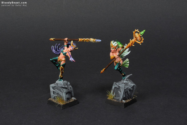 Wood Elves Spellsingers Twin Sisters painted by Rafal Maj (BloodyBeast.com)
