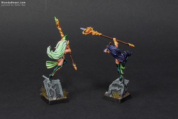 Wood Elves Spellsingers Twin Sisters painted by Rafal Maj (BloodyBeast.com)