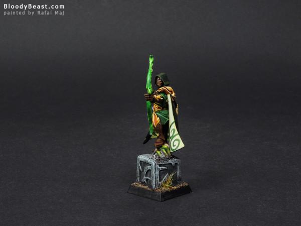 Wood Elves Waystalker painted by Rafal Maj (BloodyBeast.com)