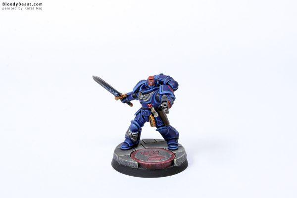 Crimson Fist Primaris Lieutenant 1