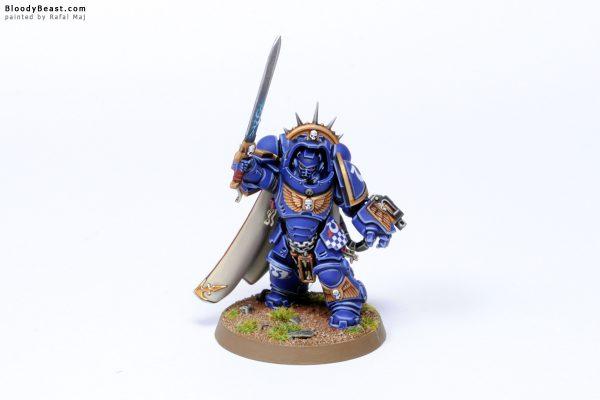 Dark Imperium Ultramarines Primaris Captain in Gravis Armour